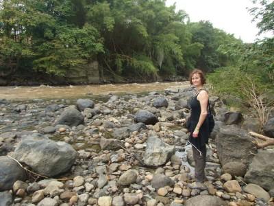 """Fluss """"Rio Fonce"""" durch den Park """"El Gallineral"""" in San Gil"""