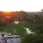 Abenddämmerung in Leticia am Amazonas von Kolumbien