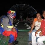 Nächtliche Fahrt mit Clown auf dem Amazonas von Santa Rosa Peru nach Leticia Kolumbien